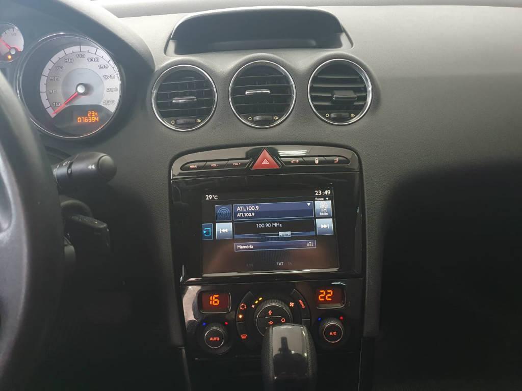 Foto numero 8 do veiculo Peugeot 408 ALLURE - Prata - 2015/2016