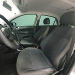 Foto numero 10 do veiculo Volkswagen Voyage 16. TL MB - Prata - 2015/2016