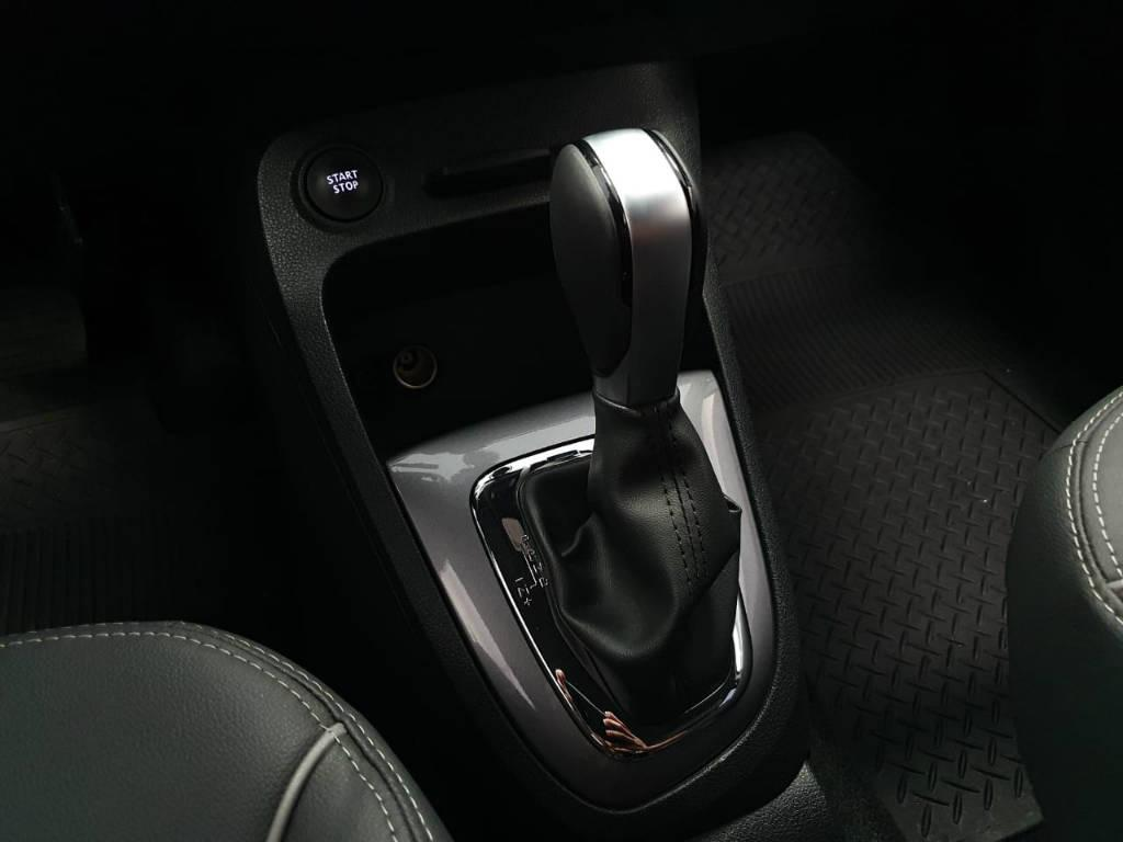 Foto numero 9 do veiculo Renault Captur 16 BOSE - Cinza - 2020/2021