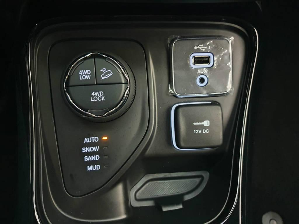 Foto numero 10 do veiculo Jeep Compass Limited - Branca - 2019/2020