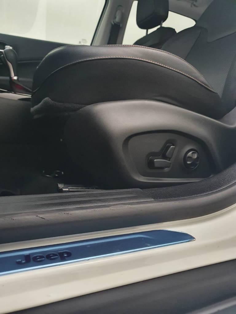 Foto numero 14 do veiculo Jeep Compass Limited - Branca - 2019/2020
