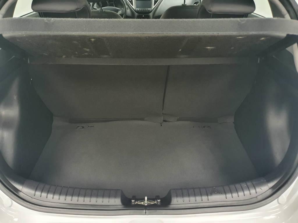 Foto numero 12 do veiculo Hyundai HB20 1.6A PREM - Branca - 2017/2018