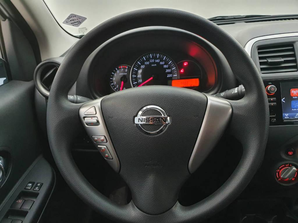 Foto numero 7 do veiculo Nissan March 1.6 SV - Branca - 2019/2020