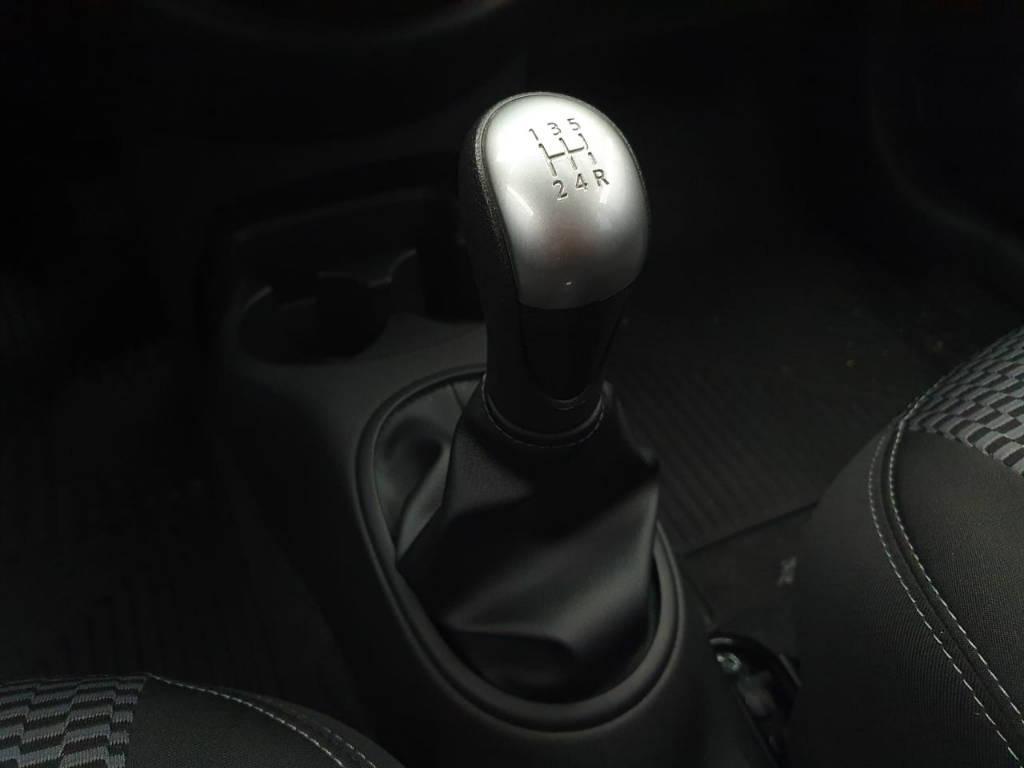 Foto numero 9 do veiculo Nissan March 1.6 SV - Branca - 2019/2020