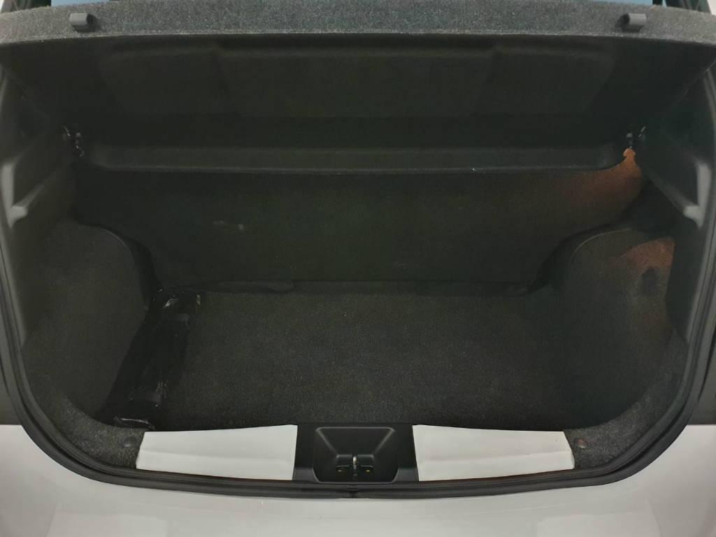 Foto numero 12 do veiculo Nissan March 1.6 SV - Branca - 2019/2020