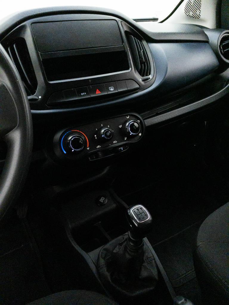 Foto numero 8 do veiculo Fiat Uno DRIVE FURGÃO 1.0 Flex 6V - Branca - 2018/2019
