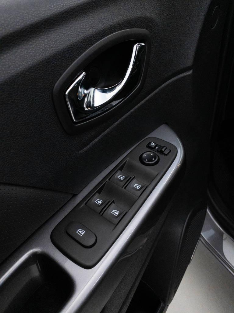 Foto numero 19 do veiculo Renault Captur Intense Bose 1.6 16V Flex Aut. - Cinza - 2020/2021