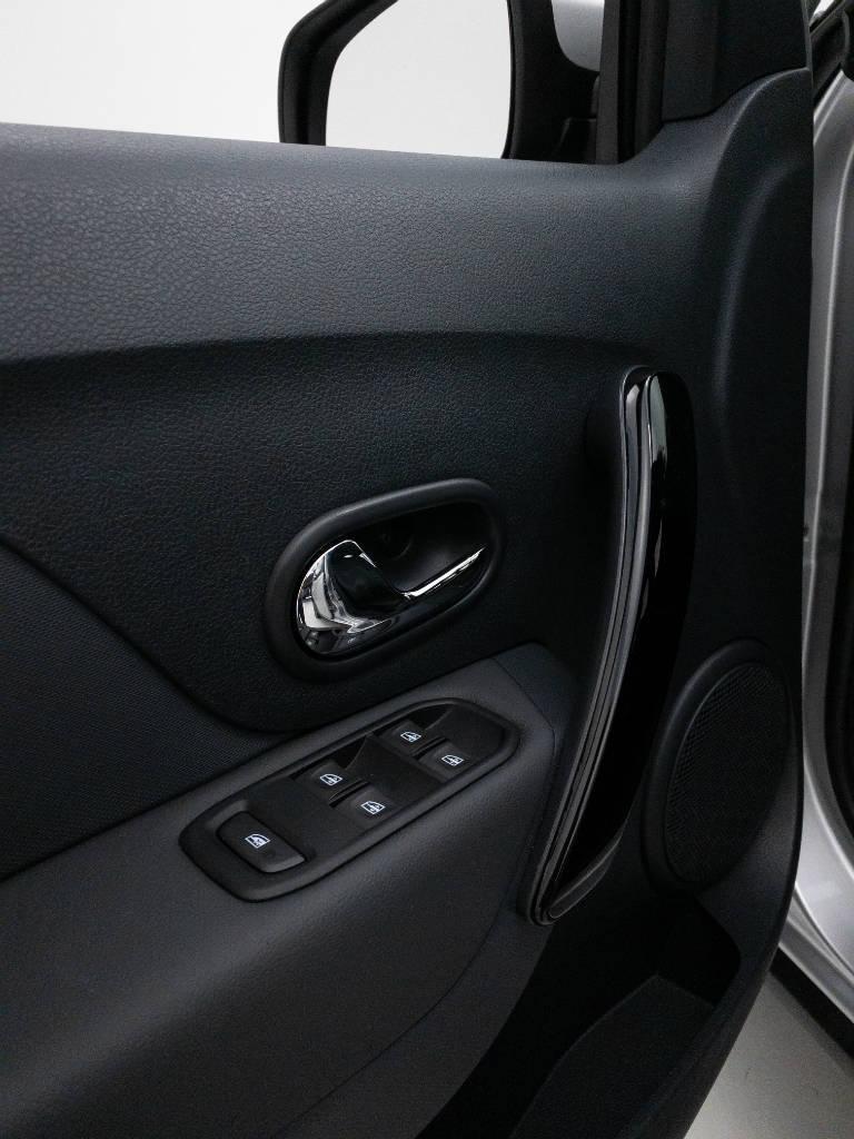 Foto numero 16 do veiculo Renault Sandero Intense Flex 1.6 16V Aut. - Prata - 2020/2021