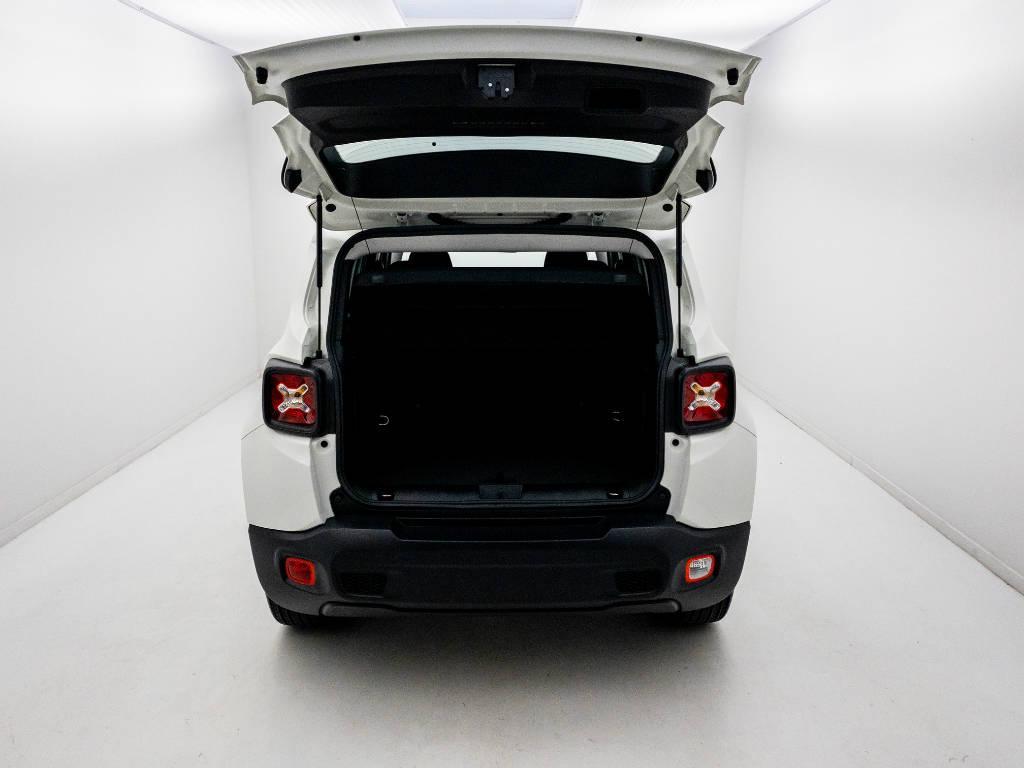 Foto numero 11 do veiculo Jeep Renegade Sport 1.8 4x2 Flex 16V Aut. - Branca - 2021/2021