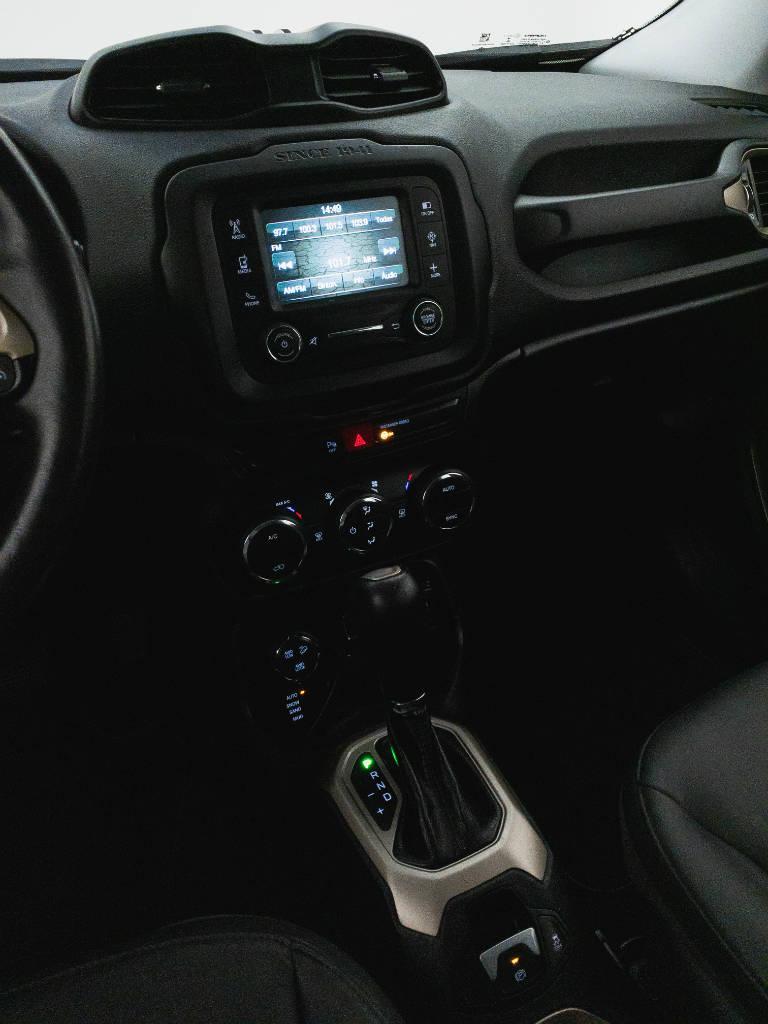 Foto numero 12 do veiculo Jeep Renegade Longitude 2.0 4x4 TB Diesel Aut - Preta - 2017/2017