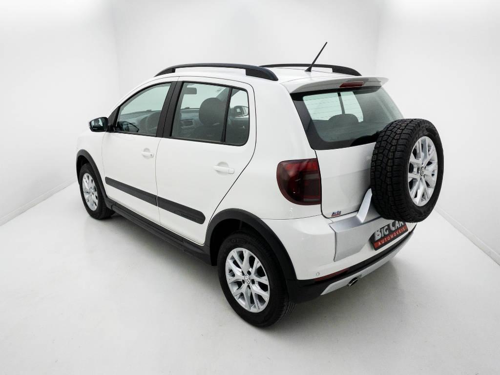 Foto numero 4 do veiculo Volkswagen CrossFox 1.6 Mi Total Flex 8V - Branca - 2014/2014