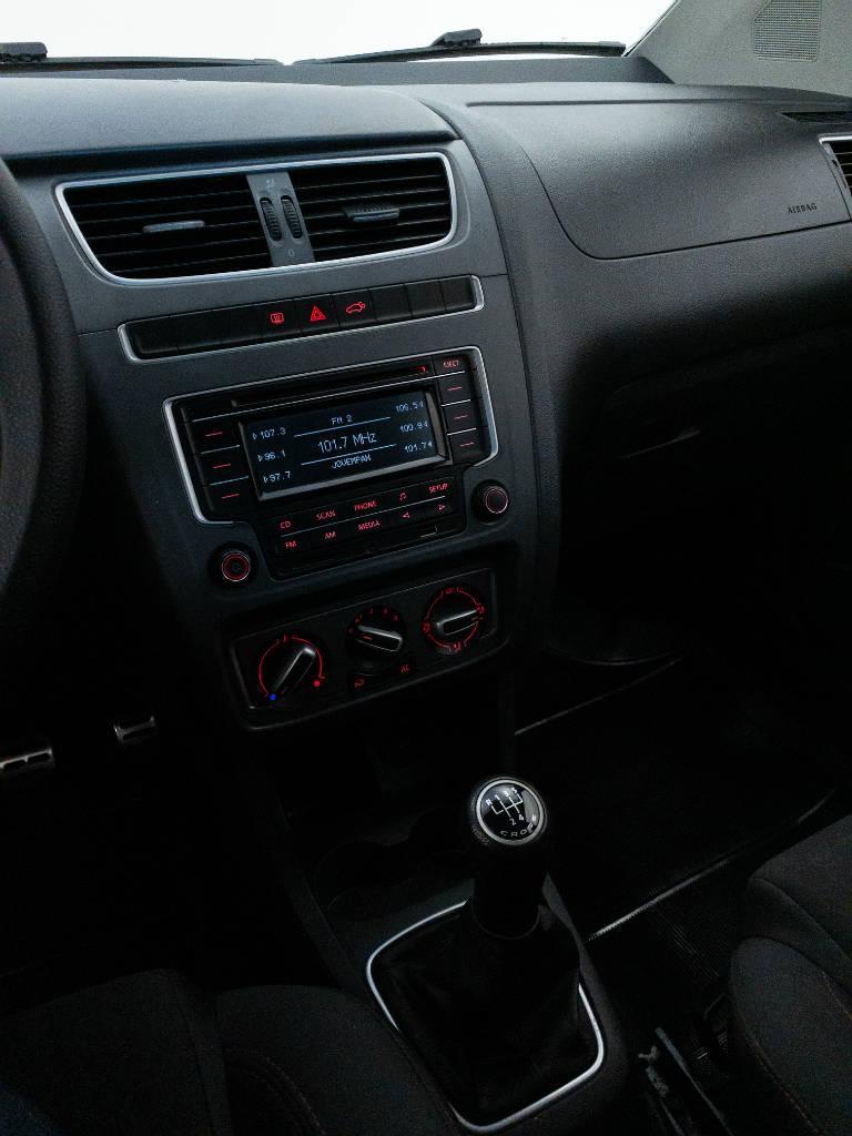 Foto numero 13 do veiculo Volkswagen CrossFox 1.6 Mi Total Flex 8V - Branca - 2014/2014