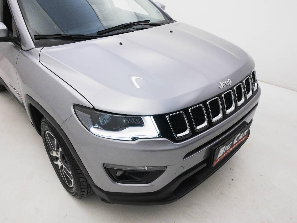 Foto numero 6 do veiculo Jeep Compass SPORT 2.0 4x2 Flex 16V Aut. - Prata - 2019/2019