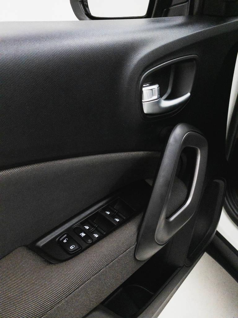 Foto numero 19 do veiculo Fiat Toro Endurance 1.8 16V Flex Mec. - Branca - 2020/2021