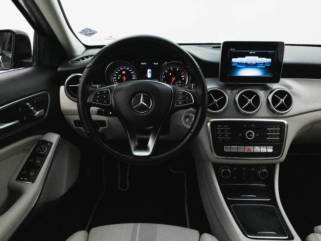 Foto numero 13 do veiculo Mercedes-Benz Gla Advance1.6 Turbo 16V Flex Aut. - Azul - 2018/2019