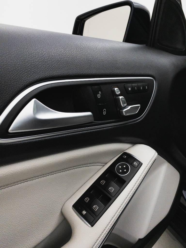 Foto numero 17 do veiculo Mercedes-Benz Gla Advance1.6 Turbo 16V Flex Aut. - Azul - 2018/2019