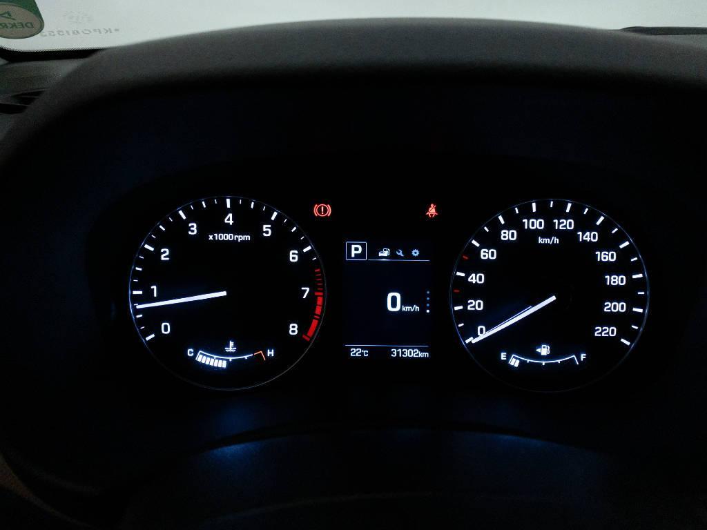 Foto numero 12 do veiculo Hyundai Creta Prestige 2.0 16V Flex Aut - Vermelha - 2018/2019