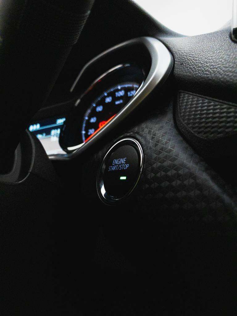 Foto numero 14 do veiculo Chevrolet Onix LTZ 1.0 12V Turbo Flex Mec. - Vermelha - 2019/2020