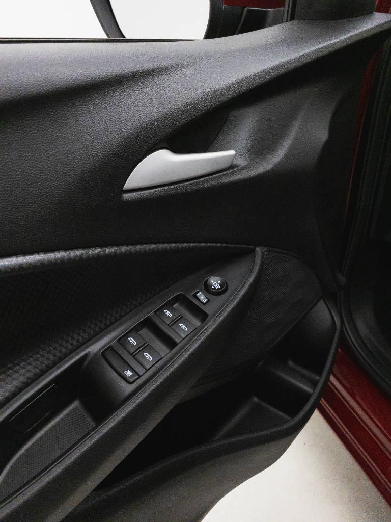 Foto numero 15 do veiculo Chevrolet Onix LTZ 1.0 12V Turbo Flex Mec. - Vermelha - 2019/2020