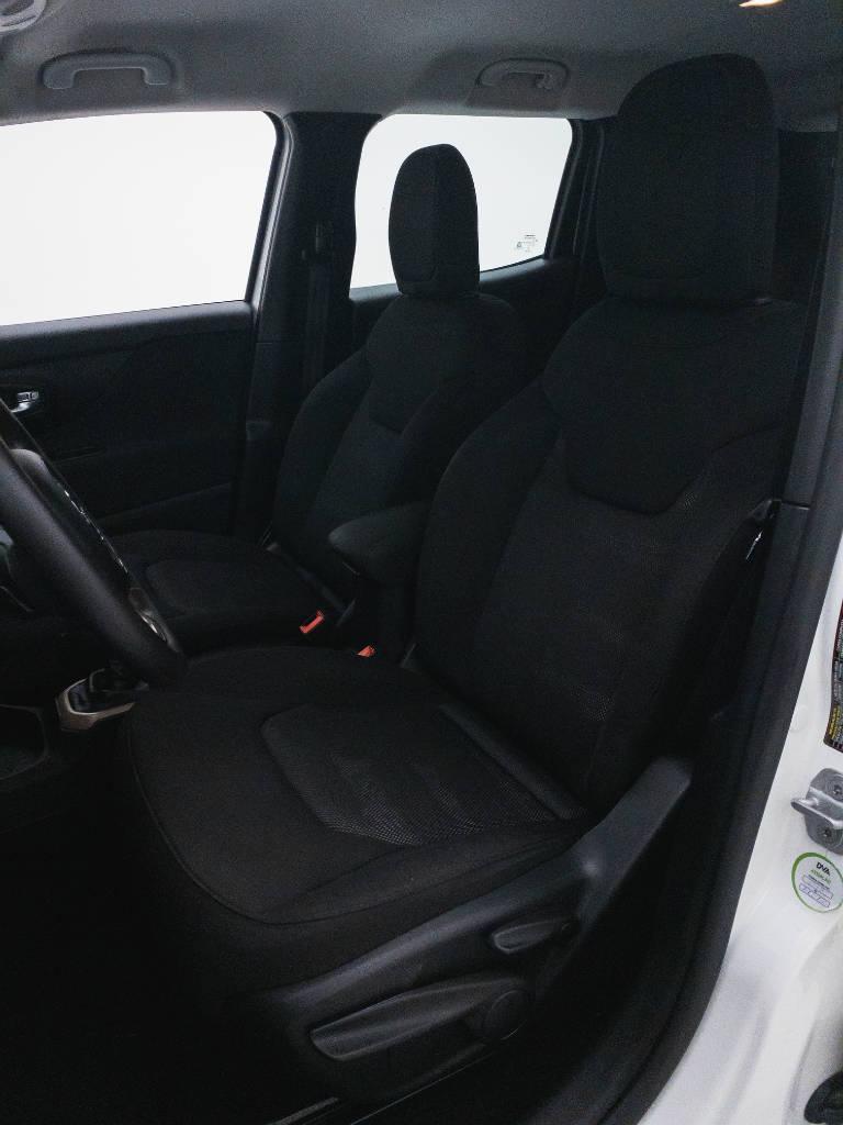Foto numero 17 do veiculo Jeep Renegade Sport 1.8 4x2 Flex 16V Mec. - Branca - 2018/2018