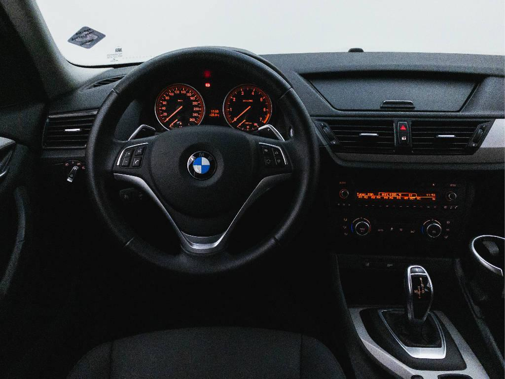 Foto numero 10 do veiculo BMW X1 SDRIVE 20i 2.0 TB Flex Aut. - Preta - 2015/2015